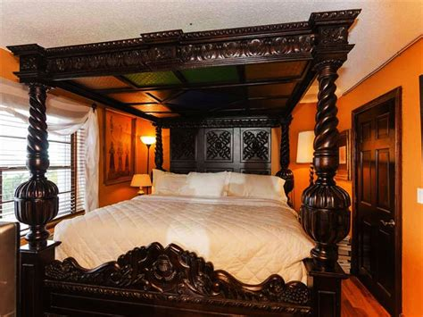 classic canopy poster king size 4 piece bedroom set 11947549 overstock com shopping big four poster bed king 4 post canopy bed frame carved