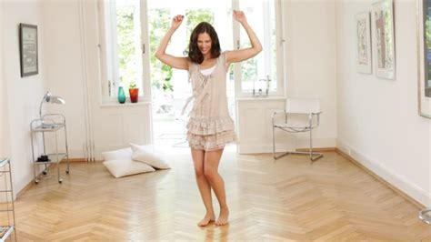 Frau Tanz Freizeit Zuhause Rm 368 757 004 In