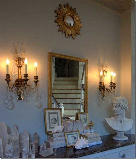 picture of using gold in interior decorating