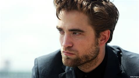 rob pattinson robert pattinson is dean s photographer pal