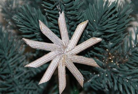 diy pasta snowflake ornaments  christmas beesdiycom