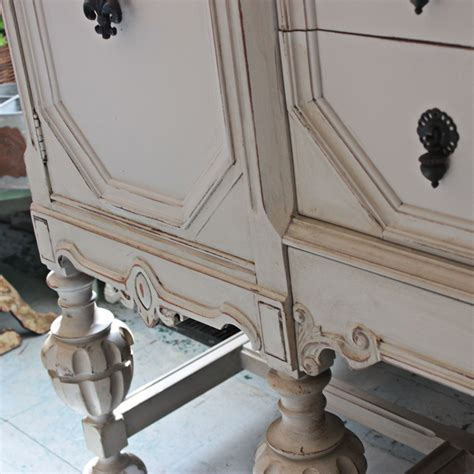 Chalk Paint Giveaway - paint giveaway belle craie chalk style paint from redpoise