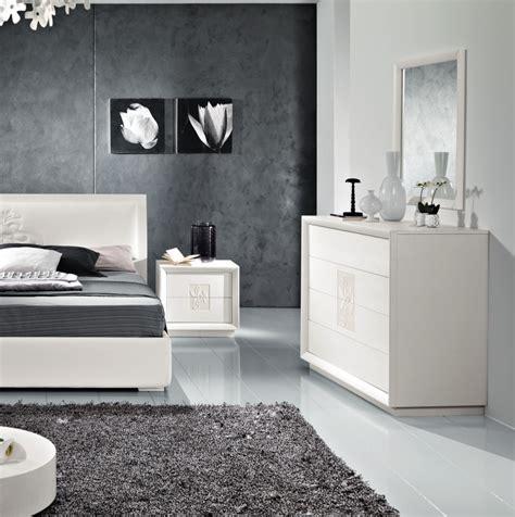 como artemide trittico moderno  camera da letto