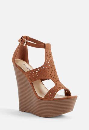 Best Seller Wedges Krem Wedges Wanita s wedges stand in justfab s top selling wedge shoes