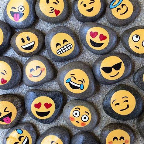 paint emoji emojis hand painted stones zen art work pinterest