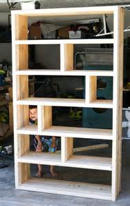 Easy Bookcase Plans Diy Rustic Pallet Bookshelf