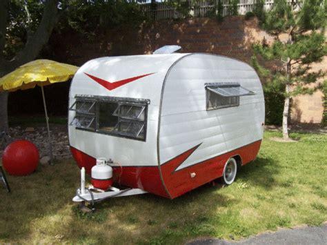 playmor  vintage travel trailer   antique