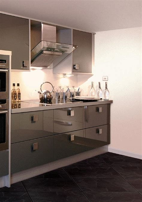 fitted kitchens direct proud to be an independent