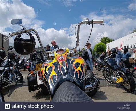 Custom Paint Harley Davidson Motorcycles by Custom Built Harley Davidson Motorcycle With Paint