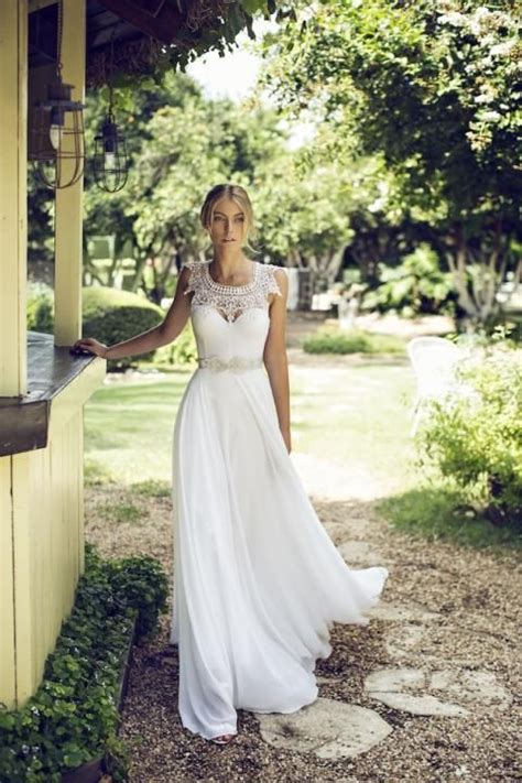 backyard wedding dresses 47 effortlessly chic backyard wedding dresses happywedd com