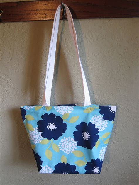 pattern for pillowcase tote bag diy pillowcase tote bag my style pinterest
