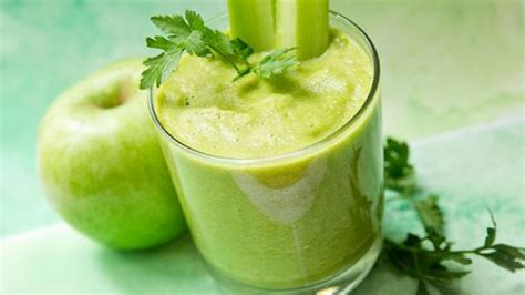 green drink make dr oz s green drink for a healthy breakfast today com