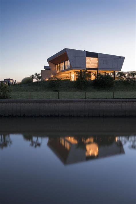 casa en arelauquen estudio ramos plataforma arquitectura club de yate estudio ramos plataforma arquitectura