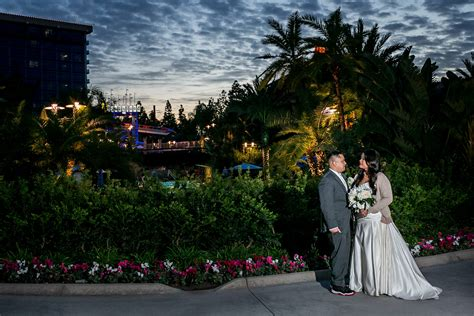 Wedding In Disneyland by Disneyland Wedding Ceremony Www Imgkid The Image