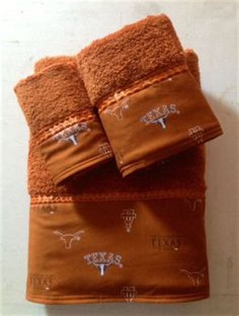 texas longhorn bathroom set hook em horns on pinterest university of texas