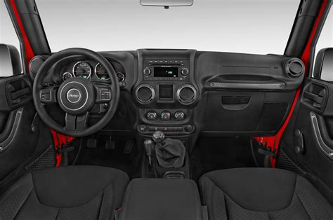 Jeep Wrangler Unlimited 2015 2015 Jeep Wrangler Unlimited Cockpit Interior Photo