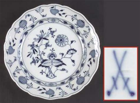 blue onion pattern dishes meissen germany blue onion quot sword quot backst at