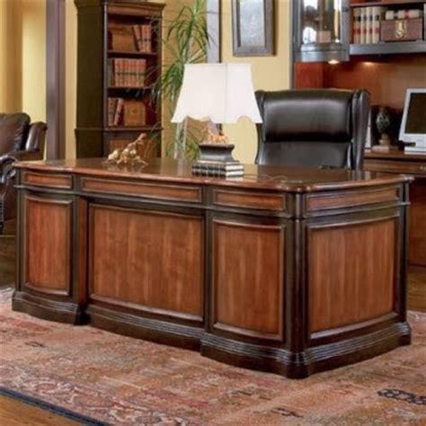resolute desk the resolute desk hms resolute desk