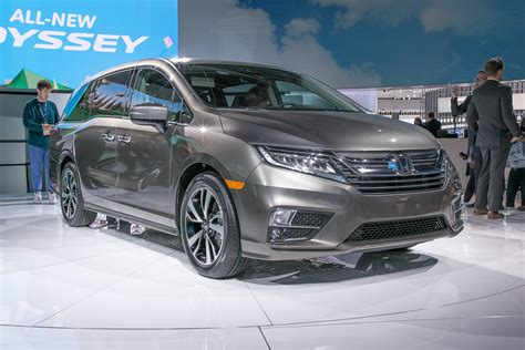 honda odyssey production begins motor trend canada