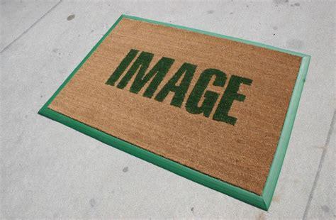 zerbino con logo tappeti personalizzati prato e zerbini personalizzati