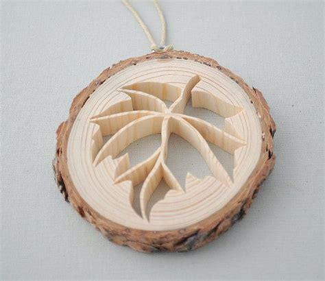 holzplatte mit rinde rustikale holz leaf ornament die rustikale holz verzierung