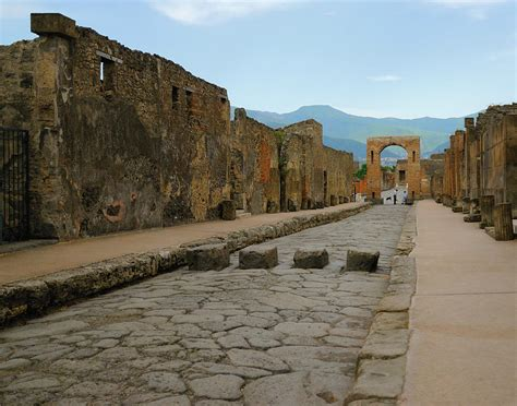 Roman Home Decor Roman Street In Pompeii Photograph By Alan Toepfer