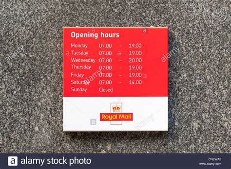 top 28 cbelltown post office opening hours christmas