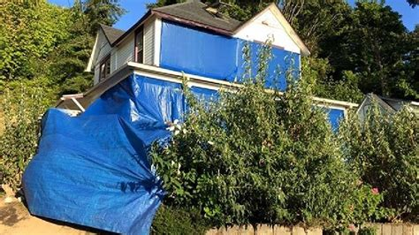 goonies house quot goonies quot house owners cover residence with blue tarp katu