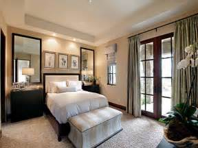 Bedroom Decorating Idea by Small Guest Bedroom Ideas Marceladick