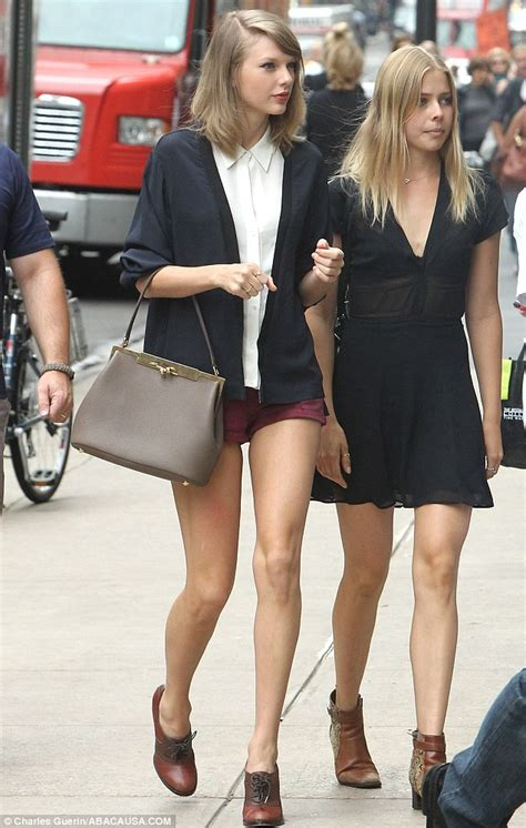 taylor swifts legs look amazing in short shorts photos taylor swift shops with look alike friend in ny in very
