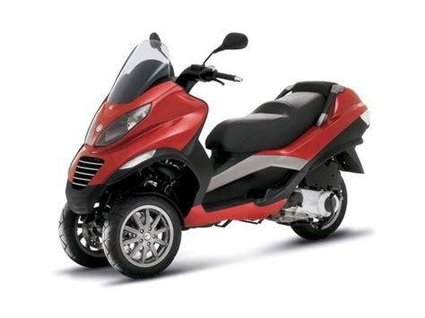 piaggio mp3 3 wheel scooter autoclub