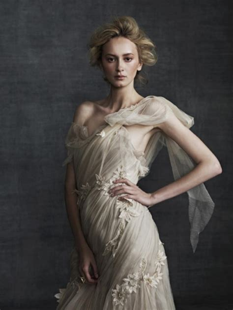 Fab Fashion Blogs Friday Couture In The City 13 by Friday S Fab Finds Samuelle Couture Wedding Dresses Weddbook