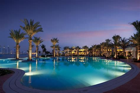 Which Hotel Has The Best Pool In Palm Springs Ca - kempinski the palm hotel dubai united arab emirates