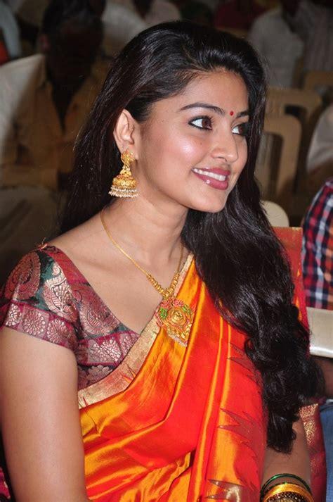 heroine sneha wedding photos picture 27835 sneha latest silk saree photos stills