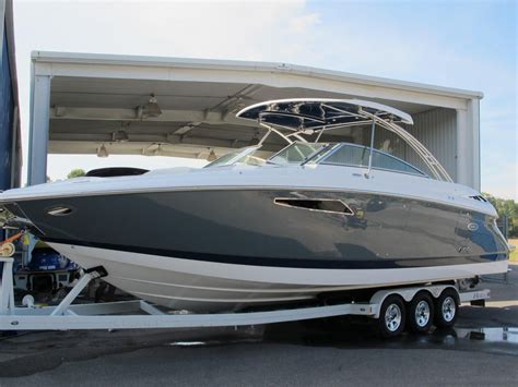cobalt boats r35 2017 cobalt r35 power boat for sale www yachtworld