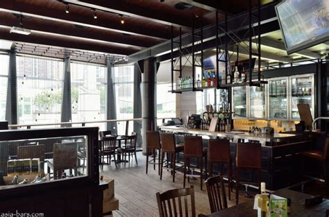 Home Bar Interior Design by Grand Central Bar Amp Grill American Style Sports Bar And