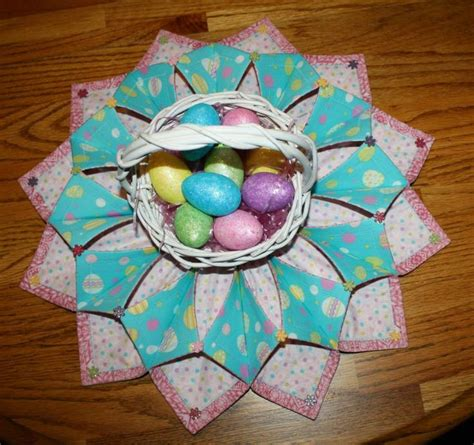 Origami Sewing Table - 382 best images about fold and stitch wreath on