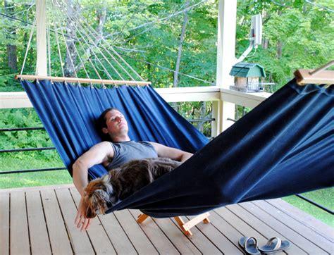 Make A Hammock 14 Diy Hammocks And Hanging Swings To Make Summer Naps
