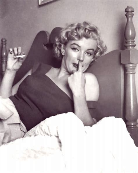 smoking in bed marilyn monroe smoking in bed vintage everyday