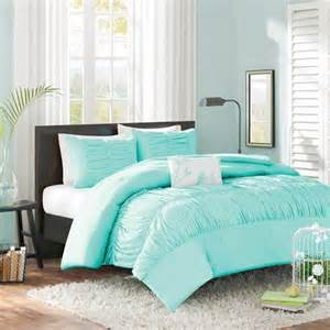 blue bedroom set 17 best ideas about tiffany blue bedding on pinterest