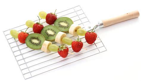 brocheta de fresas y frambuesas brocheta de frutas frescas sportlife