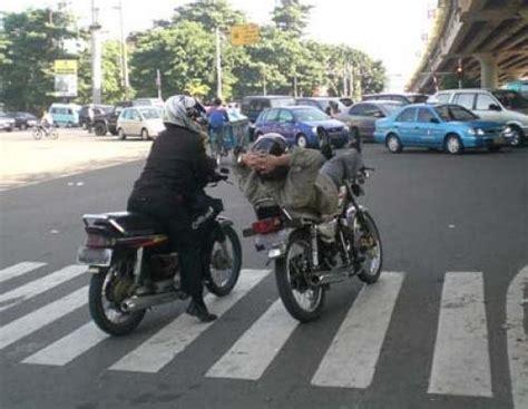 gambar lucu film indonesia strano66 foto foto lucu pengendara motor di indonesia
