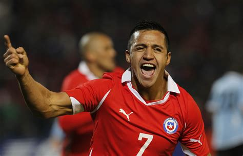 alexis sanchez world ranking 10 fastest football players in the world 2015 fifa khbuzz