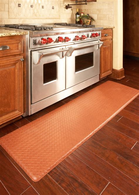 Gel Mats For Kitchen Floors by Gel Filled Kitchen Floor Mats Relieve Back And Discomfort