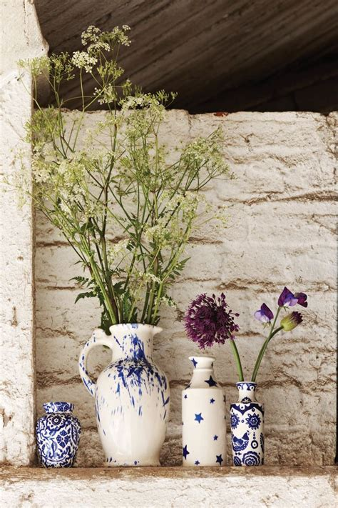 blue wallpaper porter vase 17 best images about blues dresser story on pinterest
