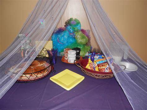 beautiful Canopy Bed Decorating Ideas #3: slumberbreakfast-56a5707b5f9b58b7d0dcea7c.JPG