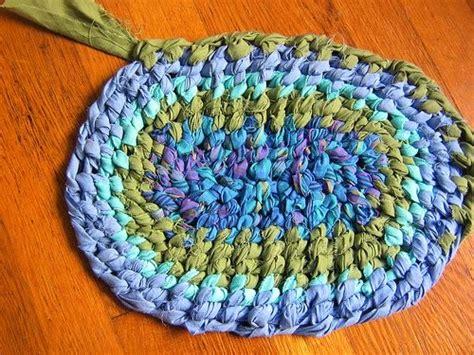 simple rag rug pinstrosity rag rug sombrero