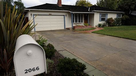 steve jobs house address steve jobs old house to be considered for historic property status abc news