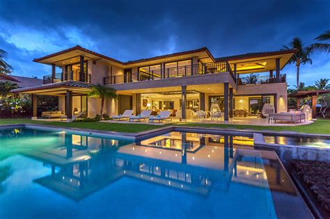 buying a luxury home check these top 5 must haves luxury homes for rent in hawaii these 15 wonderful