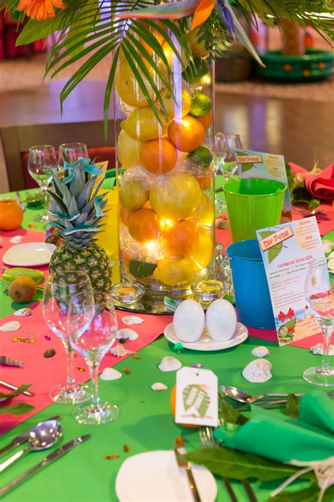 caribbean christmas decoration ideas caribbean tropical table displays caribbean theme caribbean